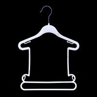 Вешалка для комплекта детской одежды