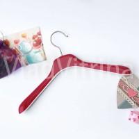 Вешалка (плечики) для  детской одежды